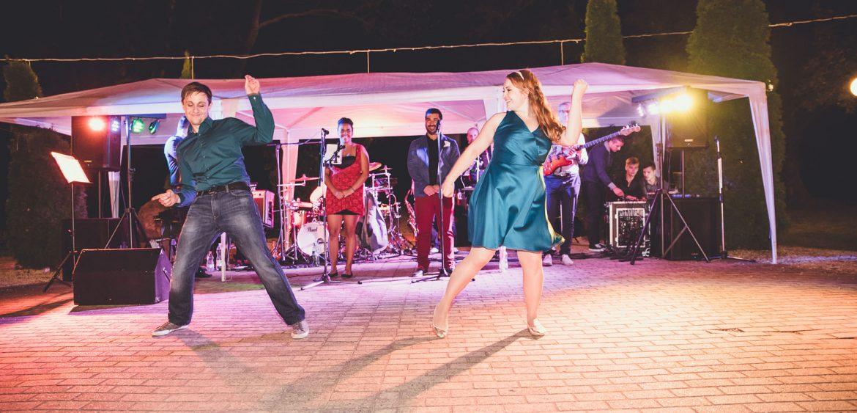 eskuvo-fotozas-fenyoharaszt-party-tanc