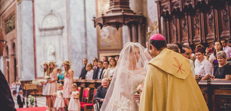 f120b32a24 Templomi esküvő – esküvői fotós szemmel – Segítünk, hogy képeid tökéletesek  legyenek